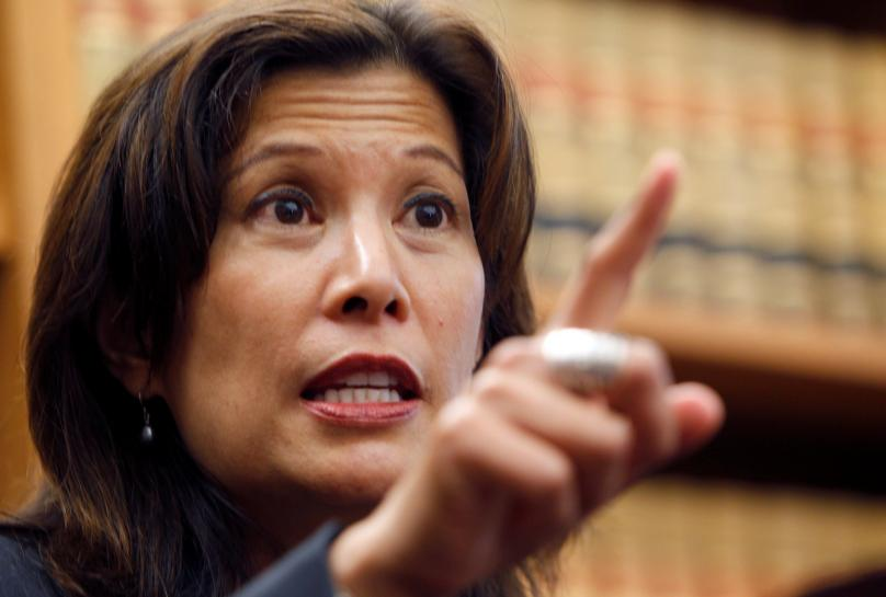 California judge seeks to prevent immigration arrests inside state courts