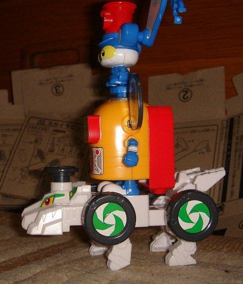 ヘボットの声はメガドライブと同じなので、これをメガドラタワーと呼んでもいいと思う#セハガール #ブンドド
