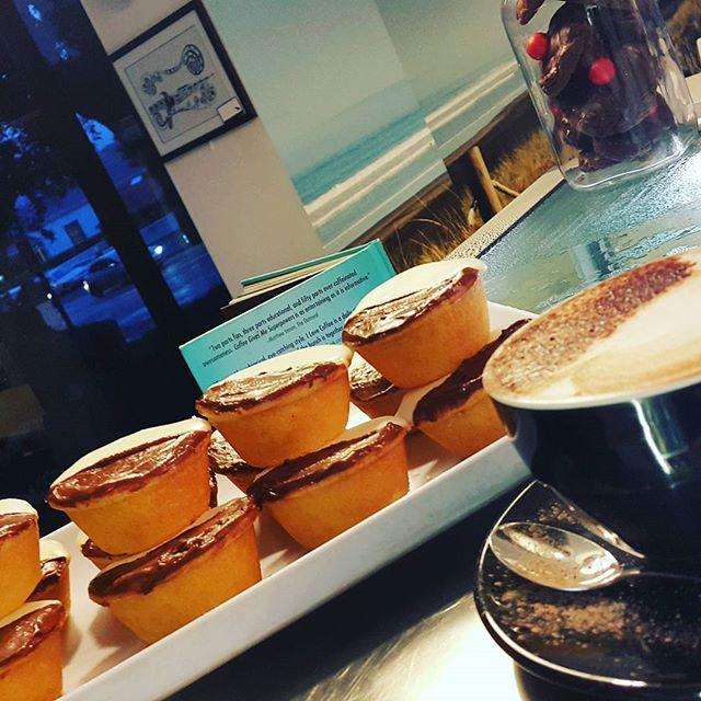 Friday 17 March, 11:27 p.m. - Twinning! half & half #neenishtart #lemon #chocolate #coffee #mocha #happyhumpday we're half way there! #likewhatididthere
