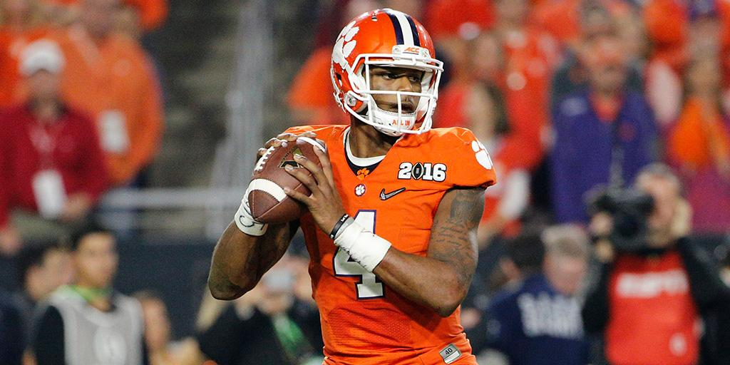 .@DeshaunWatson4 intends to attend 2017 #NFLDraft: https://t.co/qjHDY0GgtN (via @NFL_CFB) https://t.co/ruNeYykVsc