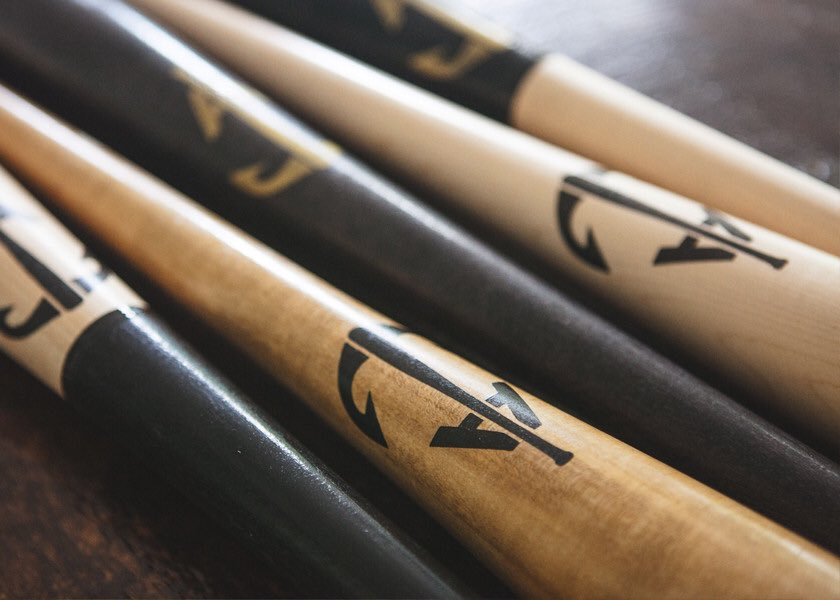 """test Twitter Media - It's that time again folks.. next person who follows us and """"likes"""" this tweet will win a FREE handcrafted @anchorbatco We pay for shipping! https://t.co/xHwwSuYmgn"""