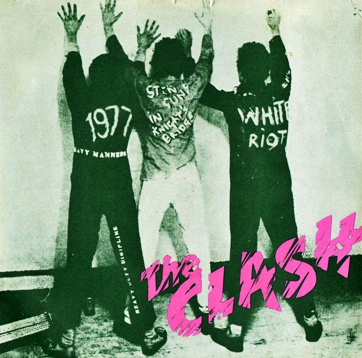40 yıl önce - 18 Mart 1977: #TheClash'in tarih sahnesine çıkışı 'White Riot' / '1977' (ilk single) https://t.co/CM2yeG9oyy