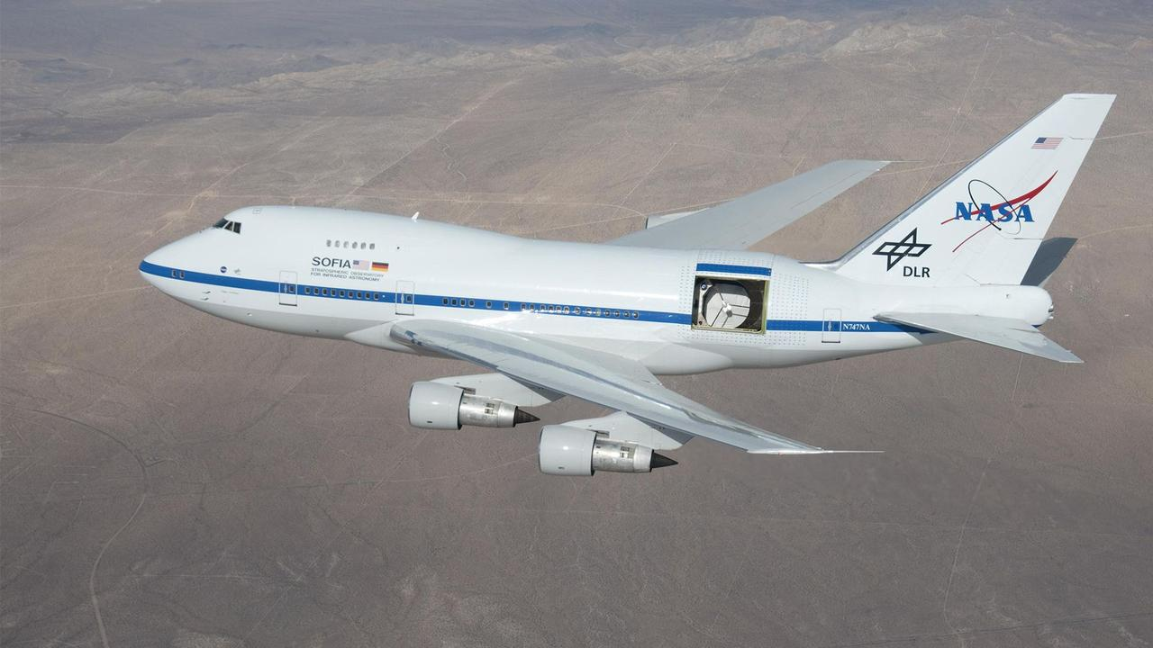 Meet SOFIA, the telescope that can see space from a hole in a plane https://t.co/QoP7Dl6Oxq