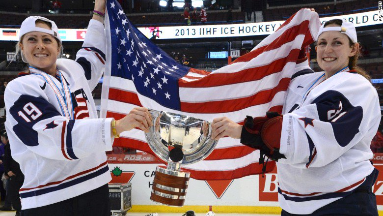 Pay fight between USA Hockey and women's players intensifies