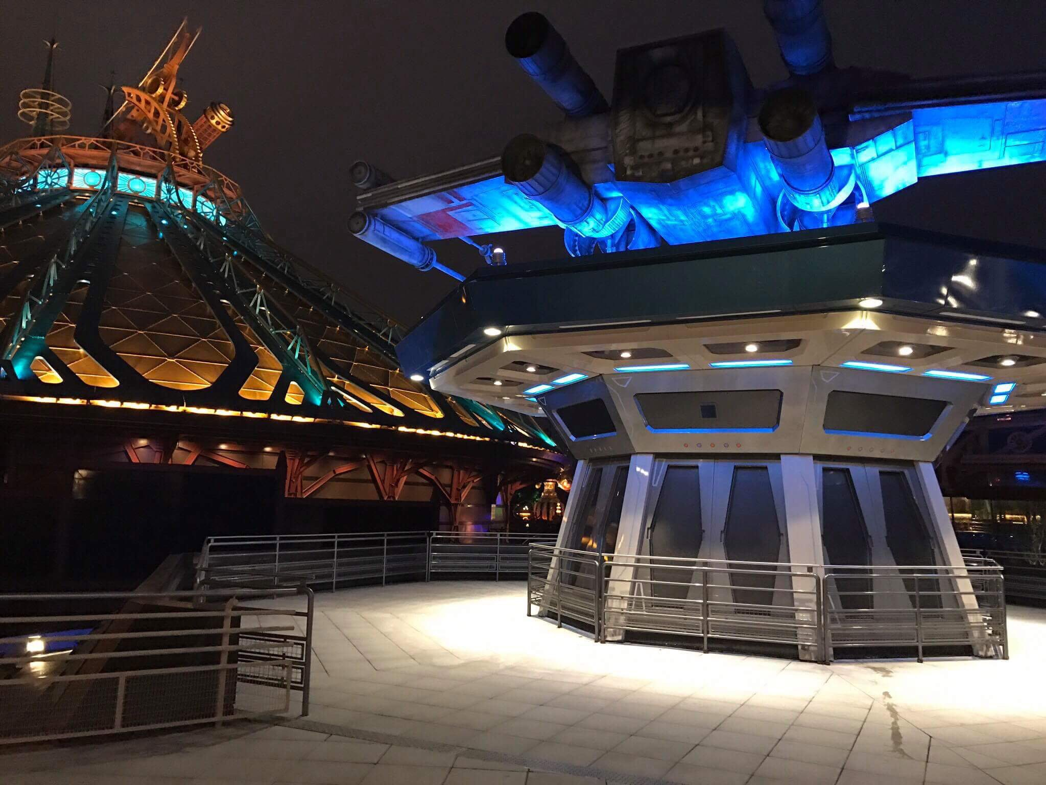 Star Tours area from Discoveryland Station and Starport Terrace - by night https://t.co/aG8DuUvTUe