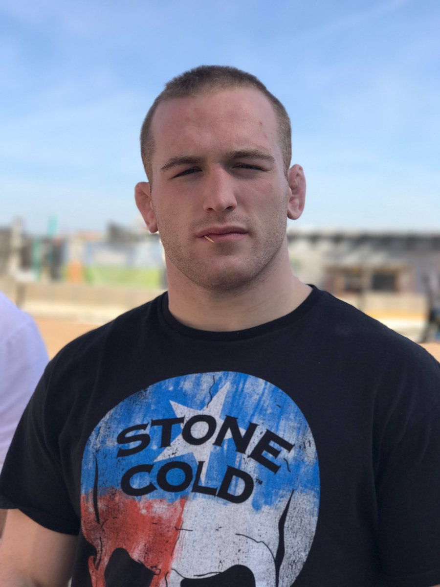 RT @Snyder_man45: Tune in 7pm, same stone cold time, same stone cold channel https://t.co/11LrPqeQFl
