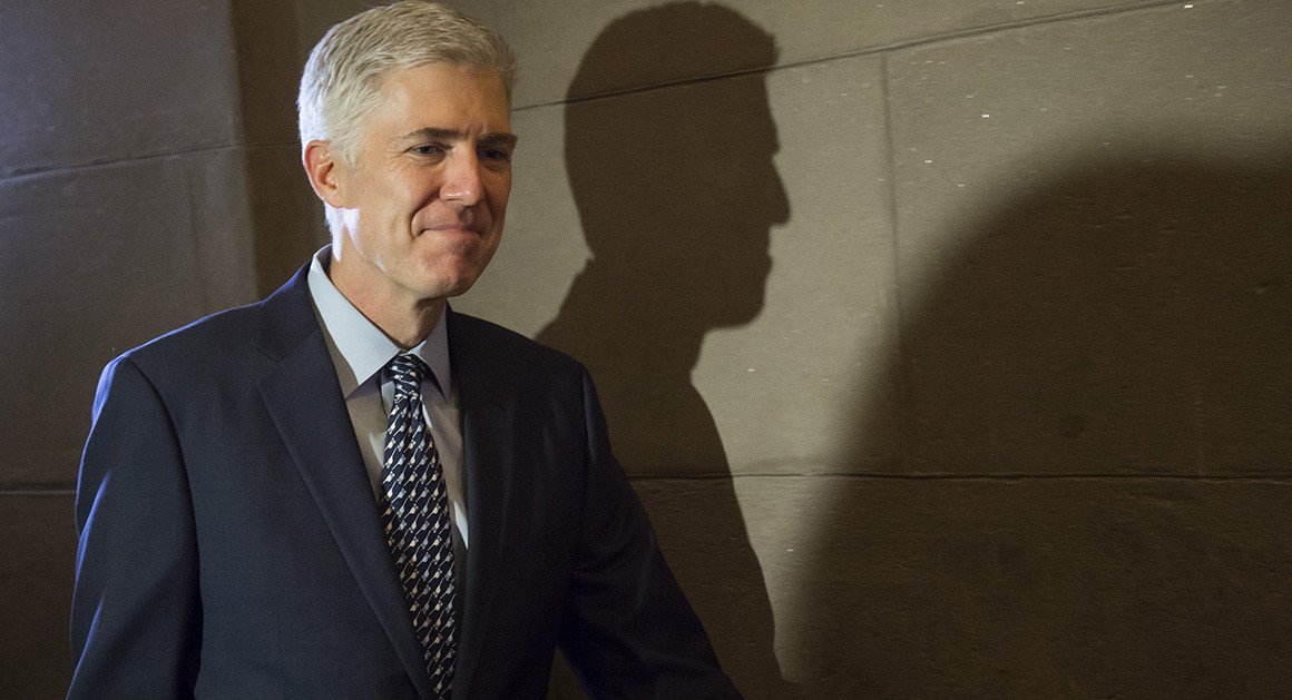 Gorsuch recommended to Justice Dept. that federal judges visit Gitmo https://t.co/rV1Nlh8tw5 https://t.co/UejYDnpgyQ