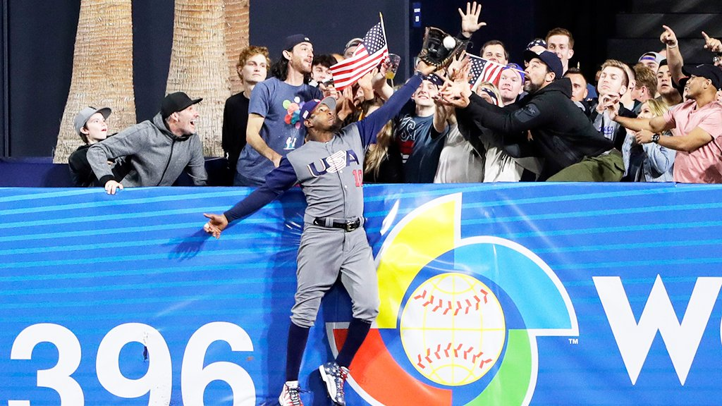 Anatomy of a catch. https://t.co/nc0cSSSmJH #ForGlory #WBC2017 https://t.co/yD0QJbeQLS