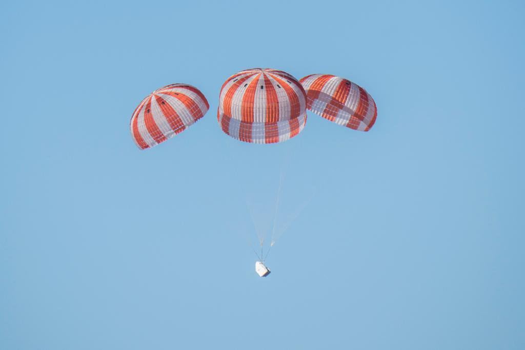 Learn more about the science splashing down on @SpaceX's #Dragon from @Space_Station: https://t.co/pLBvp2XQwu https://t.co/1V4FR7k23U