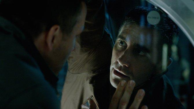Review: Ryan Reynolds, Jake Gyllenhaal, and Rebecca Ferguson in