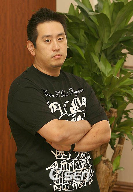 Happy belated birthday to our LP/Linkin Park\s bro or DJ Joe Hahn on the 15th of March!!