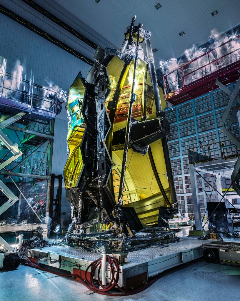 Check out this amazing long-exposure pic of @NASAWebb at @NASAGoddard!  Details: https://t.co/ag0ZPgsafS https://t.co/K9zKRyq2pF
