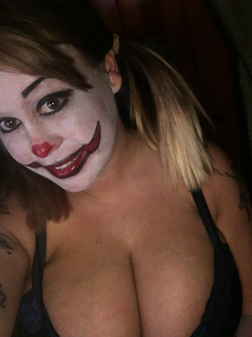 Killer clown photoset .. exclusive to https://t.co/eUFVGAq1UJ  don't miss out !! https://t.co/1vOlLj