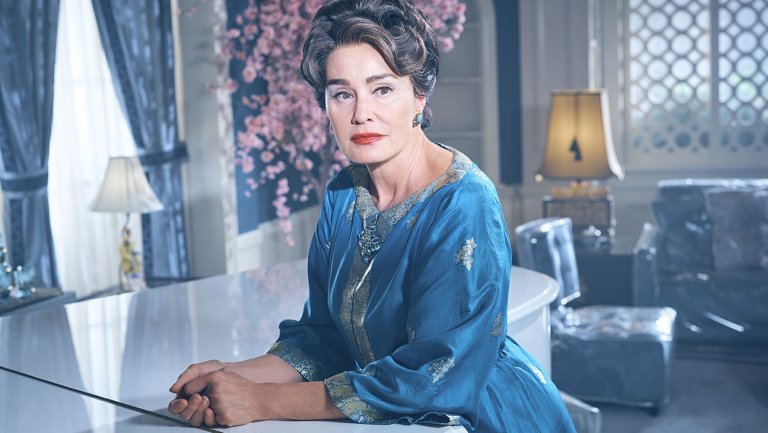 Feud: Jessica Lange discusses Joan Crawford's familial struggles, sexism in Hollywood