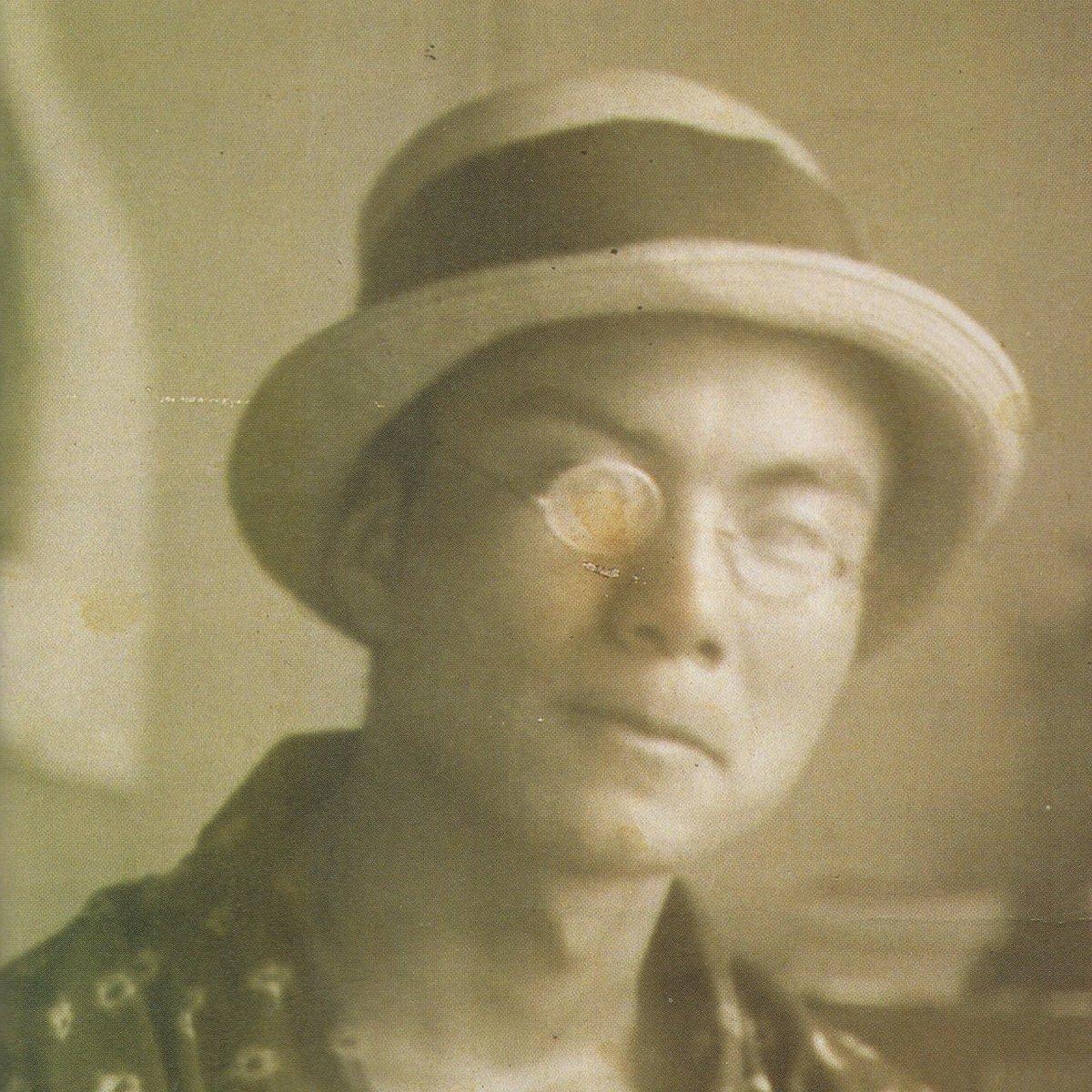 """乱歩『奇譚』228ページ、夭折の村山槐多について述べたところ。""""ポーの様な探偵小説を描きました。その艶麗さに於て潤一郎さ"""