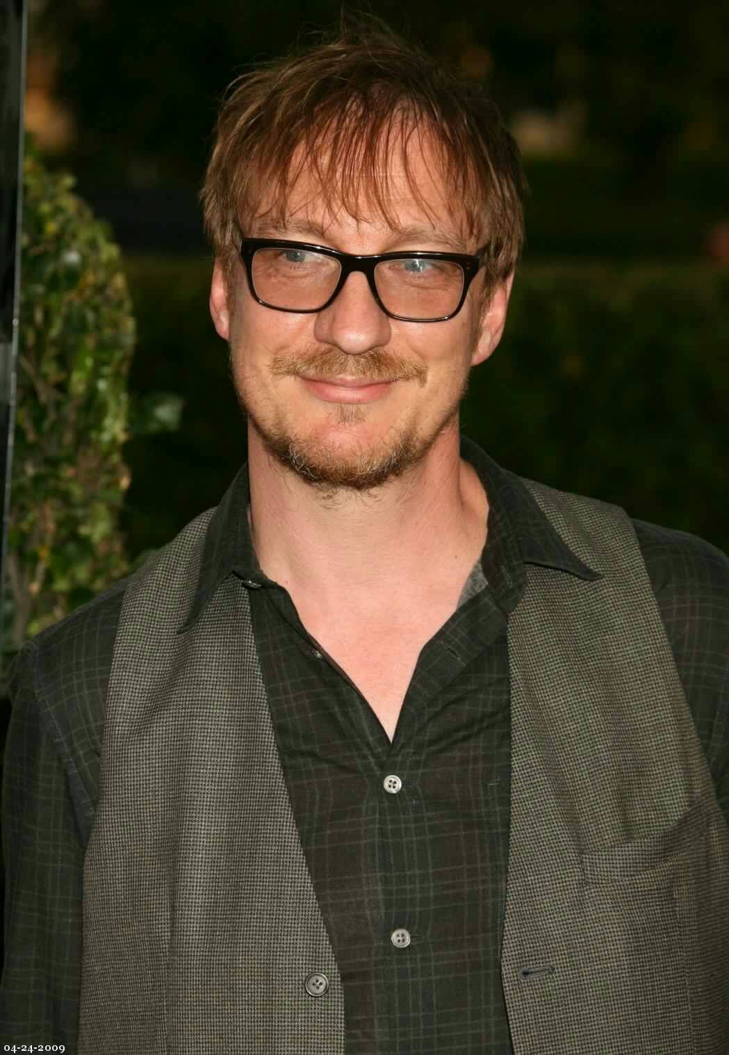 Happy birthday to David Thewlis! The actor who perfectly potrayed Remus Lupin.