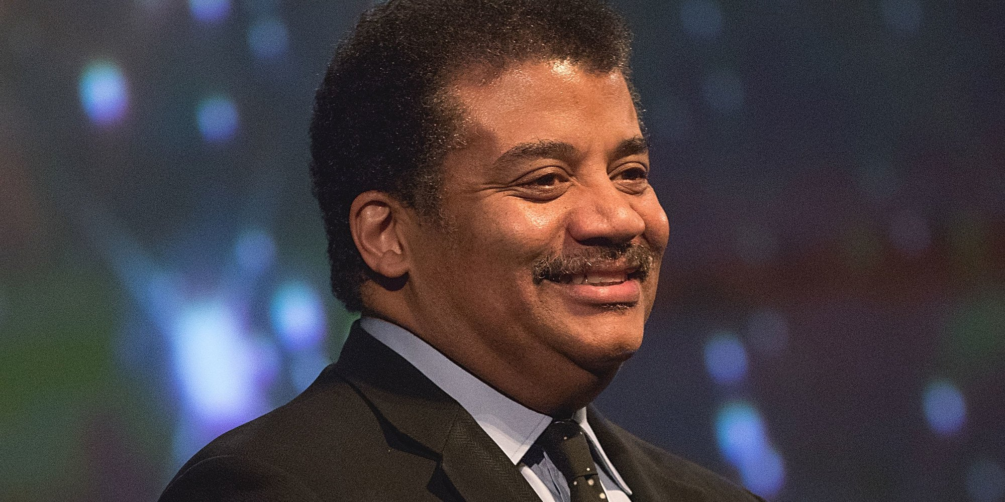 Neil deGrasse Tyson: Trump's budget will make America weak, sick & stupid https://t.co/9Xlt9bcVcY https://t.co/c5xVP7q6SU
