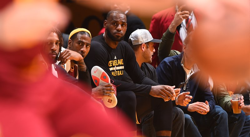 Peek into #CavsLakers photos from our Tinseltown victory: https://t.co/WKYZj9vEhw https://t.co/yCJFqVJC0p