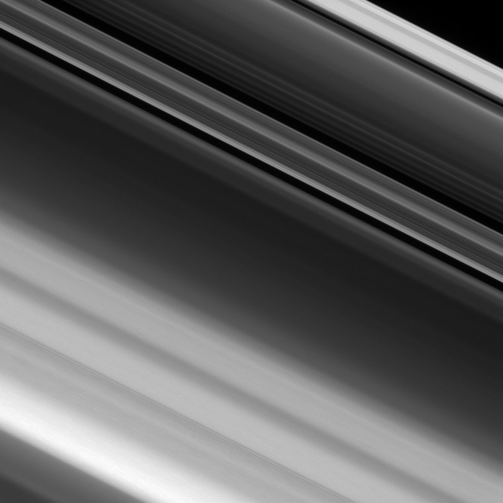 Our ring-grazing orbits have allowed us to zoom in on detailed structures in #Saturn's rings https://t.co/fIG5WRSx8O https://t.co/TXeQG3Q6Y5