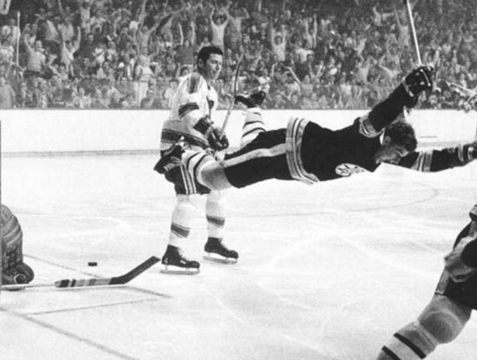 There\s only one number 4  .  Happy 69th birthday to a Boston great, Bobby Orr!