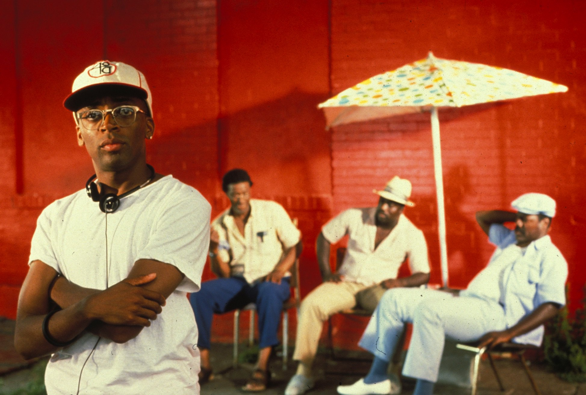 Happy 60th birthday, Spike Lee! Here he is on the set of DO THE RIGHT THING (1989):