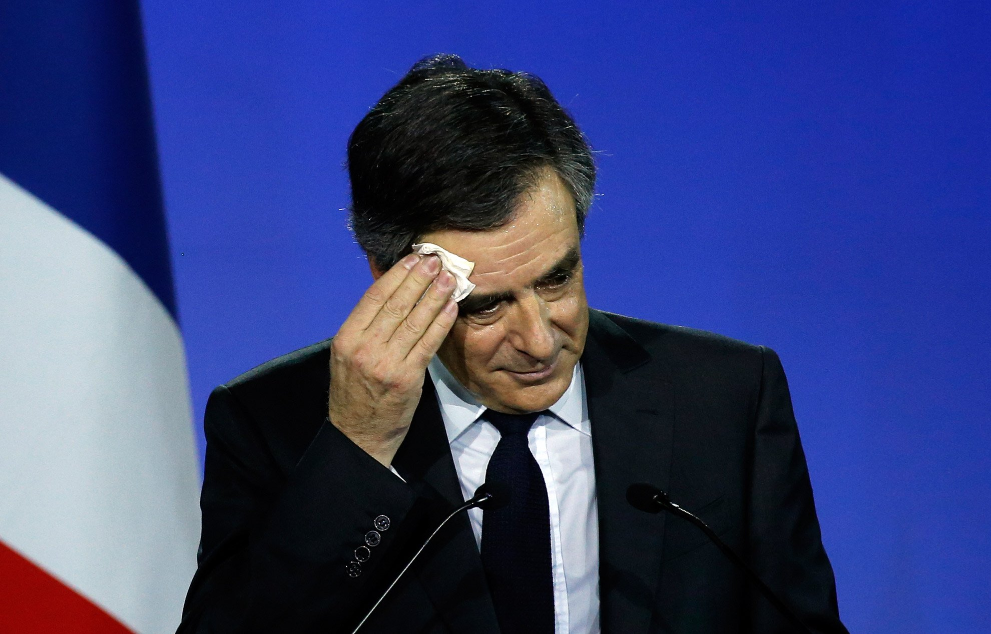Quand François Fillon entend 'Corruption' et 'Fraude fiscale' #LeGrandDebat #DebatTF1 https://t.co/LKchbT4KRX