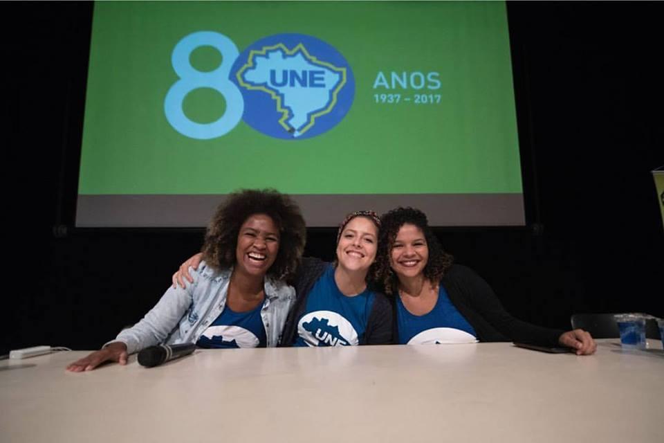 Dia histórico: Primeira vez em 80 anos de história da UNE a mesa diretora da entidade é 100% feminina e feminista! #CONEG  #EstudantesEmLuta