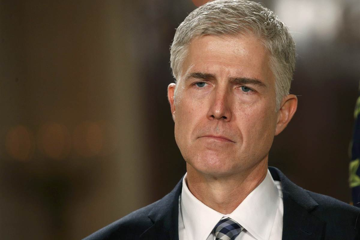Neil Gorsuch told a class that women manipulate maternity leave, student claims https://t.co/l5kJAnyOJA https://t.co/Vh14CaMolI