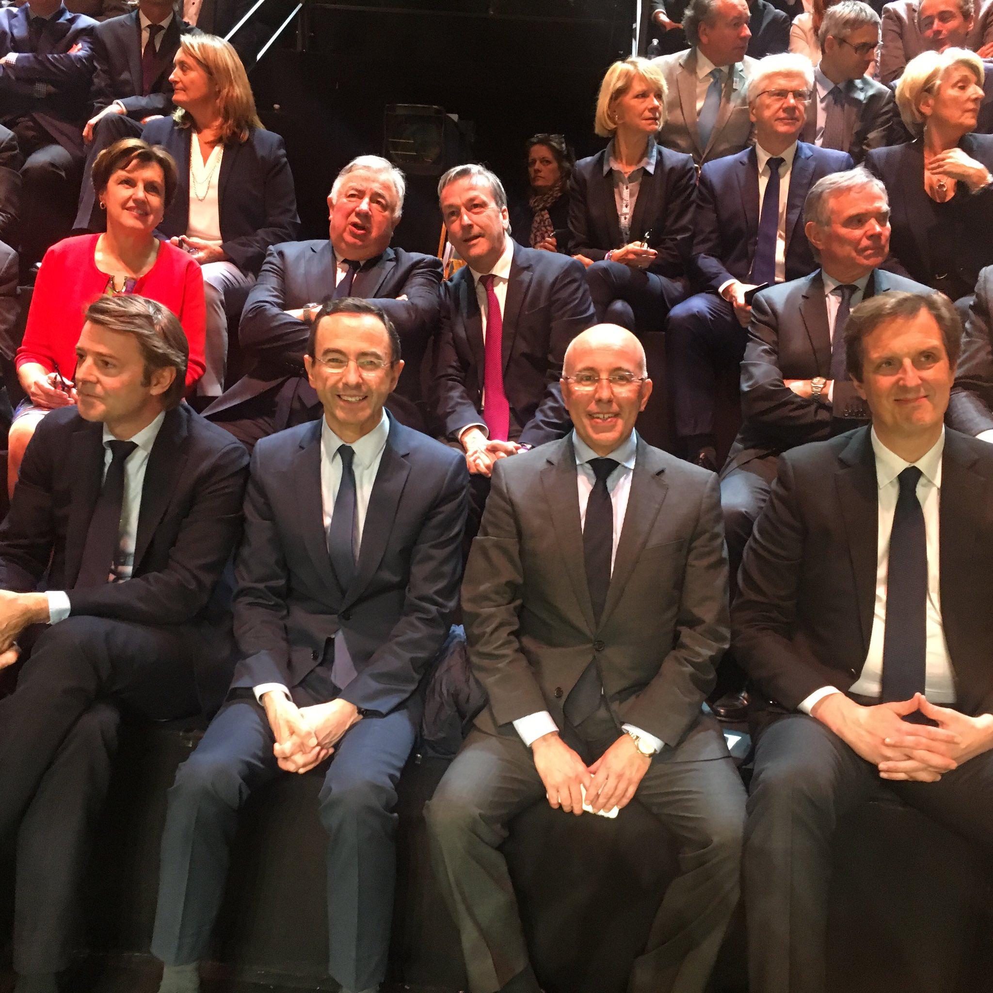 Sur le plateau de TF1 pour soutenir @FrancoisFillon . #LeGrandDebat #FillonPresident https://t.co/USRbcs0KUx