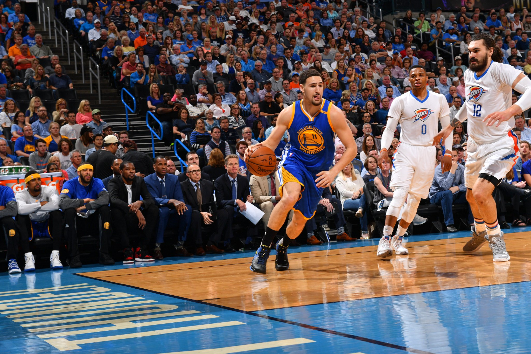 Warriors stepping up in OKC. Splash Brothers have combined for 35.  HALFTIME: @warriors: 59 @okcthunder: 39 https://t.co/zAXnisKzBh