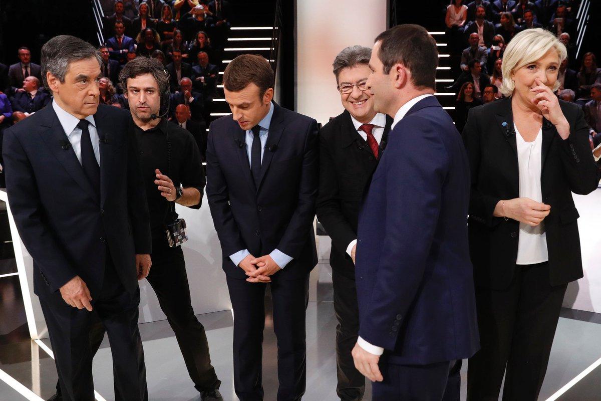 Donc cette merveilleuse photo de l'avant-débat est signée Patrick Kovarik de l'@afpfr. #LeGrandDébat