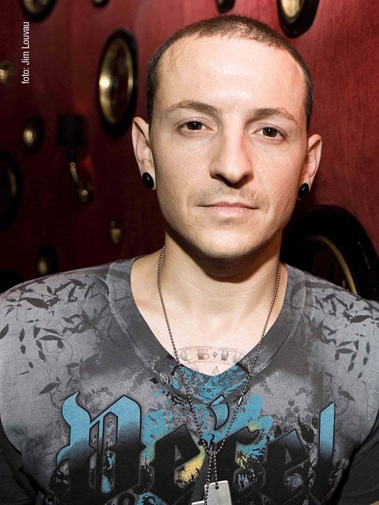 Happy birthday to big bro a.k.a Chester Bennington of LP(Linkin Park) on the 20th of this March!!