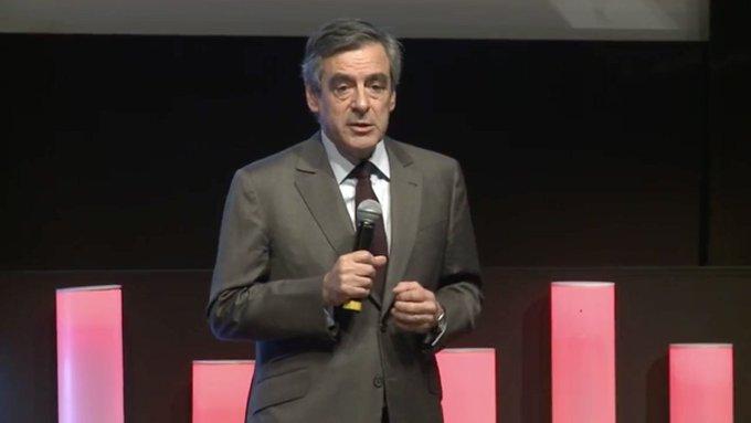 J'ai deux objectifs : - ramener la France au plein emploi ; - faire de la France la première puissance européenne en 10 ans. #MEDEF
