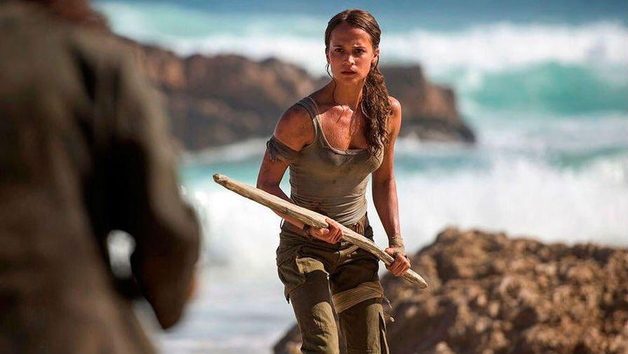 Nouvelles photos d'#AliciaVikander la nouvelle #Laracroft dans le reboot de #TombRaider via @ParisMatch