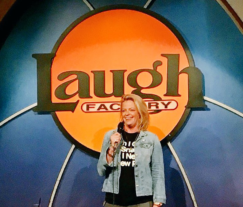 Thank you, @TheLaughFactory!!!! Tonight's crowds were dope as fuuuuuuuck!!! https://t.co/g15QhPjGgw
