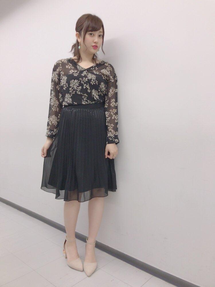 黒ベージュ菊地亜美