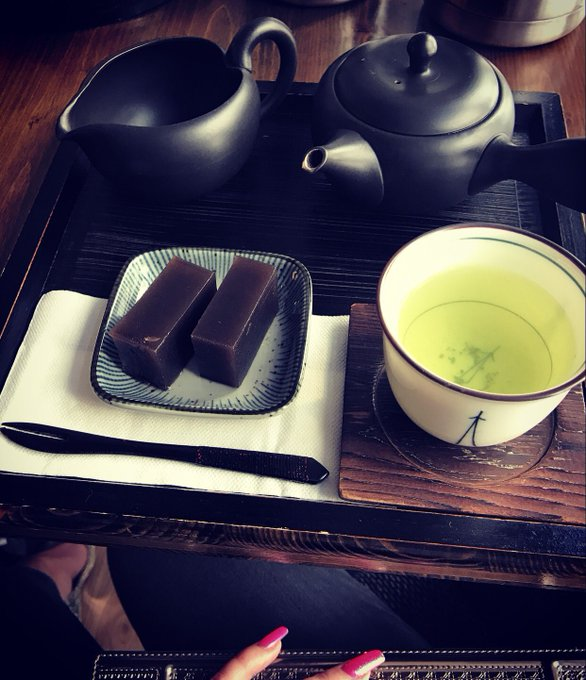 Enjoying a cup of green tea https://t.co/rZFlAnZR9L