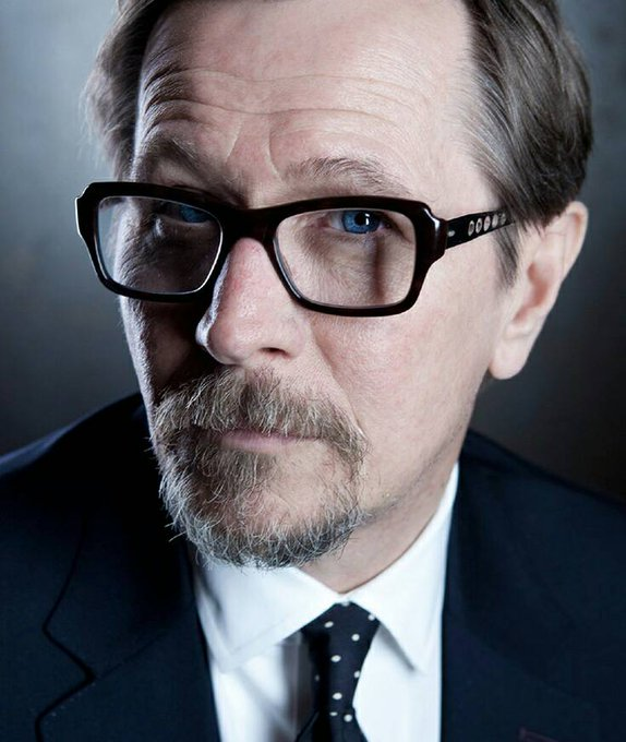Happy 59th Birthday to Gary Oldman! He perfectly portrayed Sirius Black in the films.