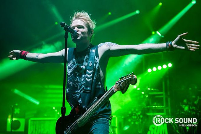 Happy birthday to Sum 41\s Deryck Whibley!
