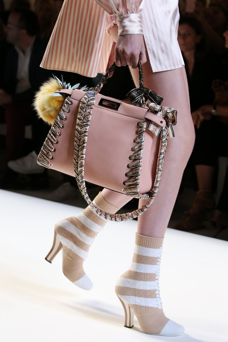 Pretty in pink! Pick your Spring #FendPeekaboo bag on https://t.co/LPxAHLEljy. #FendiSS17 https://t.co/kbkWTyvDIf
