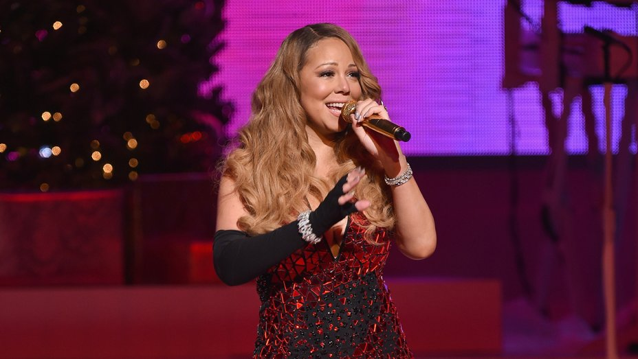 "Universal sets animated movie based on Mariah Carey's ""All I Want for Christmas Is You"" song"