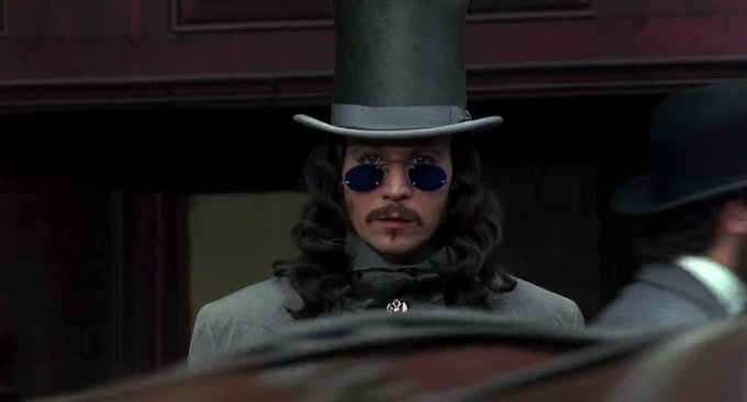 Lord, I will forever swoon over Gary Oldman as Dracula.  Happy Birthday to this handsome, timeless man.