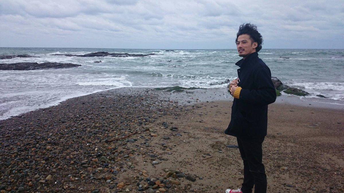 水戸でのツアー中の1コマ。ガルパンの聖地でもある大洗町の海にて全くガルパンを知らないShoがなんとなく分かったふりをしな