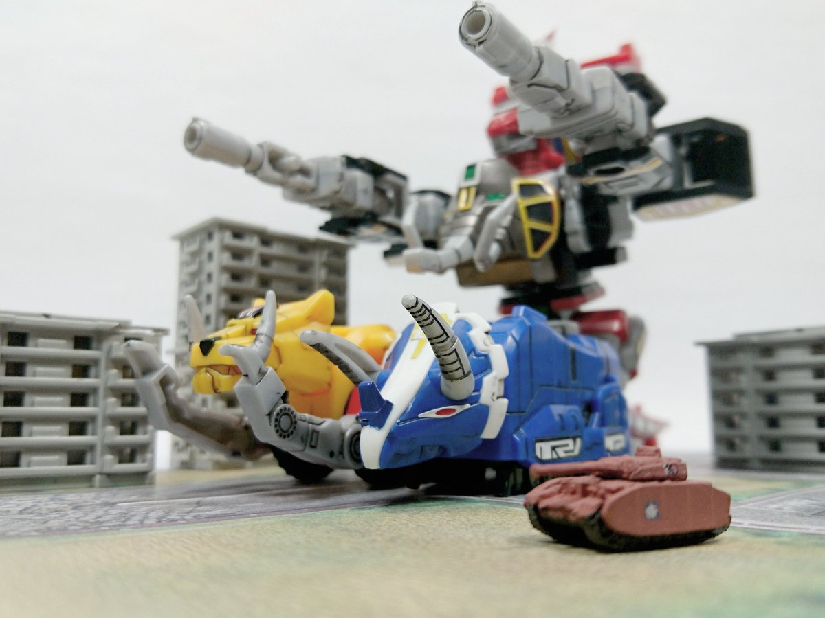 みほ「ジュウレンジャーさんチームはダイノタンカーで応戦して下さい!」#スーパーミニプラ #ガルパン