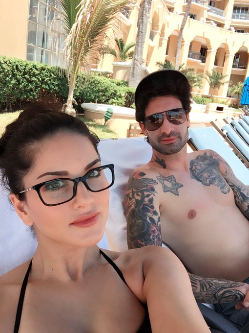 Finally at the pool this morning with @DanielWeber99 https://t.co/4Z7CnWVjsh