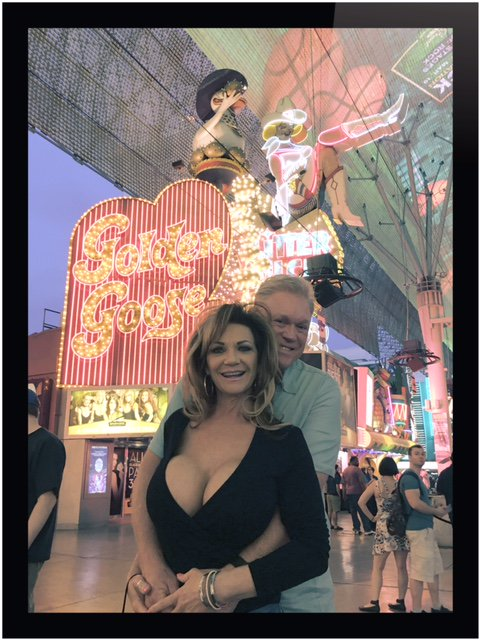 On Fremont Street with my hubby... https://t.co/Hv3VL9P0h9