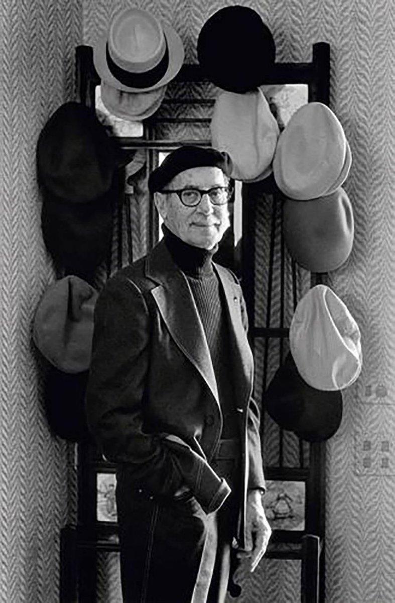 @JonNetzinger Groucho liked his hats too https://t.co/l8aj7pgXph