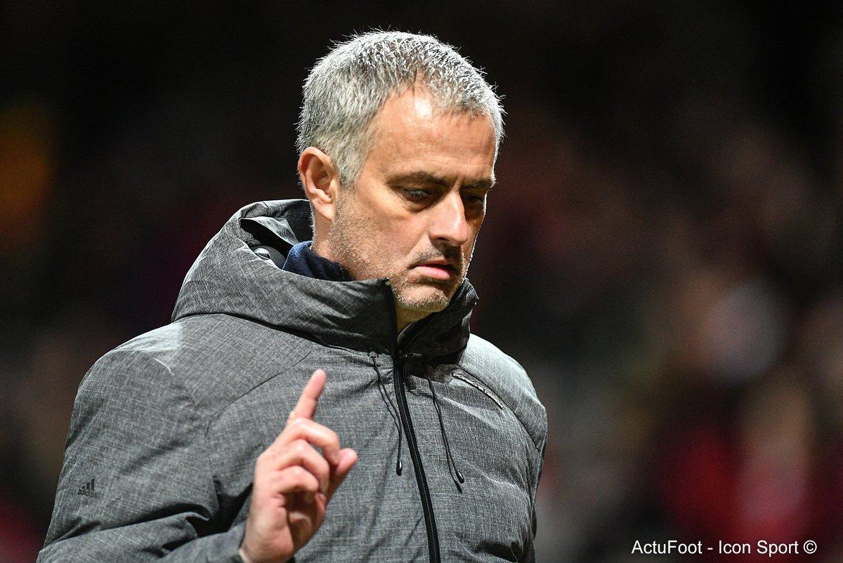 Mourinho : 'J'ai été viré de Chelsea six mois après avoir été champion. Idem pour Ranieri cette saison à Leicester. Ce job devient fou !'
