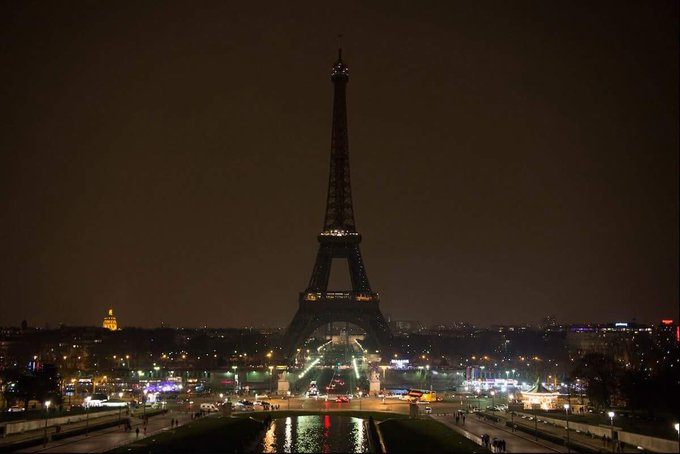 I will turn my lights off tonight, at midnight, to pay tribute to the victims of the London attack. #EiffelTower