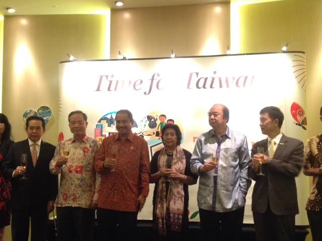 RT @Metro_TV: Menpar RI Ajak Investor Taiwan Berinvestasi di Maluku https://t.co/UGDbK1ZyLo https://t.co/6Xc8GjDIF2
